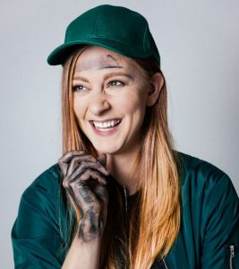 #331 – An Interview with Simone Giertz